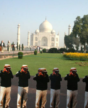 Taj Mahal, Agra, India | Japanese Guerilla Paparazzi World Tour